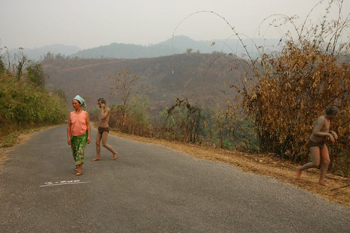 Bizarre encounter on the backroads near Mae Salong...