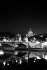 Prima pietro (jakuza) Tags: bridge vatican roma night san ponte vaticano peter ii tiber tevere notte pietro emanuele vittorio monumentiromamor tevereromamor notturnoromamor