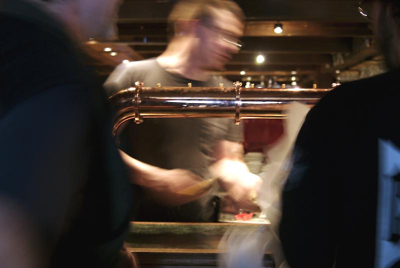 pompe à bière en cuivre