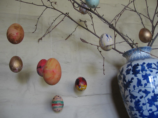 easter egg tree 2007