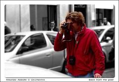 Back from the past (occhiovivo) Tags: people bw rome nikon photographer gente kodak bn filmcamera fotografo picturing fotografare fotografando photographicfilm kodakcamera vecchiamacchinafotografica phtographing oldstylephoto bwcolors backfromthepast occhiovivo maurizioabbate bncolori oldphotographicsmachine macchinafotograficaapellicola wwwocchiovivoit