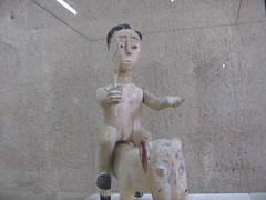 Cavaliers africains 013 (Guillaume Cingal) Tags: africa wood horses sculpture tours loire château bois riders chevaux afrique cavaliers touraine baoulé