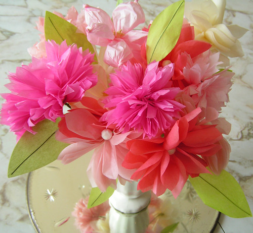 paper flowers to make. paper flowers making.