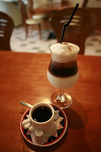 卡布里義式咖啡館&BAGEL專賣店