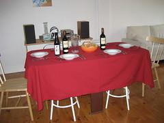 La mesa puesta para una alubiada