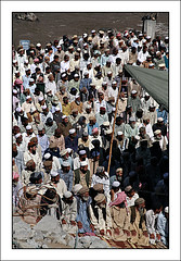 Pakistan 2006 - prayers (Maciej Dakowicz) Tags: pakistan camp people men canon photography eos earthquake october ruins muslim islam prayer crowd mosque relief help 5d journalism balakot