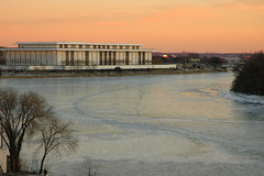 The Icy Potomac at Sunset (Scott Ableman) Tags: winter cold ice d50 river washingtondc frozen d70 freezing dcist potomac icy potomacriver kennedycenter 222v2f 111v1f supershot interestingness225 18200mmf3556gvr int