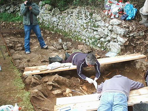 Los trabajos de exhumación fueron seguidos por muchos medios de comunicación
