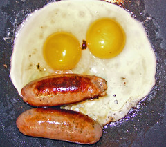 pac man (bobby stokes) Tags: breakfast meat pacman sausages eggs pan fryup fullenglishbreakfast friedeggs fullenglish