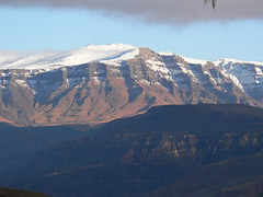 Highland Nook (hannes.steyn) Tags: africa snow mountains nature wow lumix fz20 landscapes panasonic 100club drakensberg helluva 50club noti500 pdpnw highlandnook hannessteyn