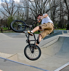 Ready To Spin Again (mightyquinninwky) Tags: bike geotagged jump pod bmx 10 5 kentucky air lexingtonkentucky award explore tricks skatepark halfpipe caughtintheact pow photooftheweek invite woodlandpark smorgasbord 10faves centralkentucky worldbest superbmasterpiece cannonshowcaseaward onlythebestare fiveflickrfavs 1on1peoplephotooftheweek geo:lat=38035603 geo:lon=84491462 1on1peoplephotooftheweekaugust2007 jasonpresser 11223344556677 exploreformyspacestation bestofformyspacestation