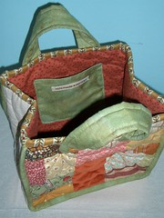 Quilted flower bag - lining par PatchworkPottery