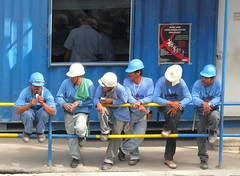 to give or not to give, that is the question. (jobarracuda) Tags: blue lumix workers construction constructionworkers snack snacktime breaktime fz50 panasoniclumix jobarracuda flickristasindios lhs4a
