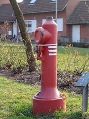 Hydrant (osto) Tags: red sign hydrant geotagged denmark europa europe sony cybershot zealand scandinavia danmark fireplug standpipe dscf828 sjlland  nrum osto rudersdal marts2007 osto
