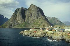 Lofoten - near reine (Reinhard.Pantke) Tags: travel norway norge reisen north norden skandinavien norwegen unterwegs nord reise