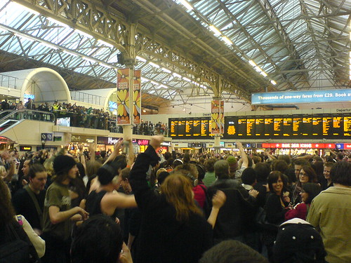 Victoria Station flash mob dancing photo by majorarcana