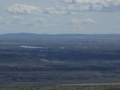 Looking E at Ancient Lakes area from Cape Horn Plateau around 2247'