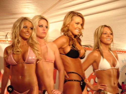 190 bikini contest hooters