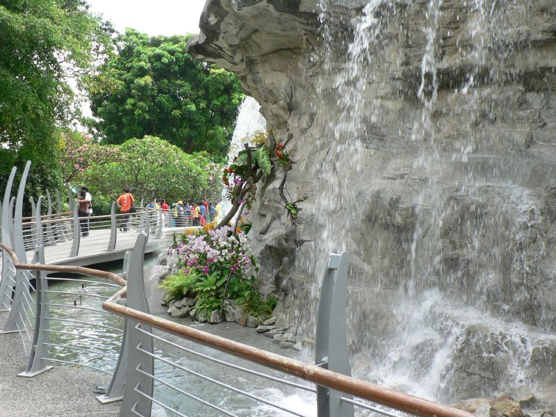 Merlion waterfall