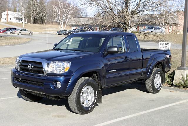 truck toyota tacoma