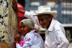 Vamos Mara!.... por favor no tardamos mucho! (Jesus Guzman-Moya) Tags: portrait mxico mexico bravo retrato puebla chuchogm abigfave sonydslra100 jessguzmnmoya wowiekazowie chicontla