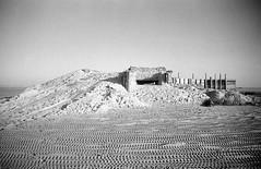 Bunker (Dirk Bruin) Tags: vlieland sand zee shelter tanks zand csk vliehors