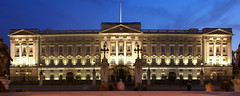 Buckingham Palace - by J.Salmoral