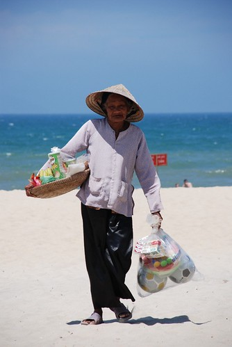 Hoi An Beach seller
