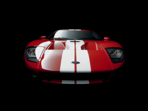 Ford GT Tops 140 mph In Race-Inspired Super Bowl Ad