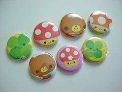 - Kawaii Buttons - (Warm 'n Fuzzy) Tags: bear cute mushroom buttons kawaii badges clover qlia kamio mushie 1buttons