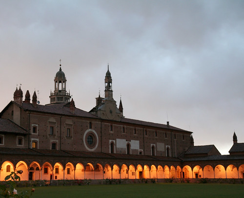 Certosa di Pavia: chiostro grande