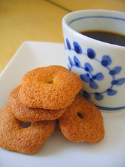 coffee break (aloalo*) Tags: food cup coffee japan tokyo cookie break afternoon sweet crispy biscuit soba instantfave abigfave