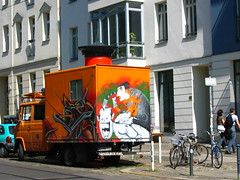 graffiti lkw (li on stage) Tags: graffiti design echo brandenburgertor spree eastsidegallery kongress typoberlin echonet