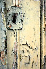 Time goes by (Mnica (Monguinhas)) Tags: door old color texture textura colors cores rust lock rusty textures porta welcome cor ferrugem texturas velho fechadura monguinhas