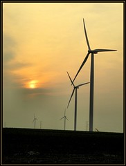 An alternative... (K2D2vaca) Tags: sunset windmill illinois country windfarm centralillinois welcomeall superbmasterpiece flickrphotoaward k2d2vaca
