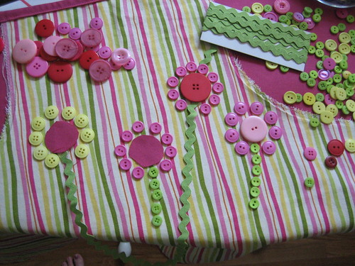 apron flower designs