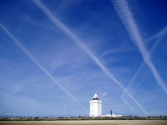 Vapour trails (Conundrum37) Tags: lighthouse landscape kent dover vapourtrails southforeland