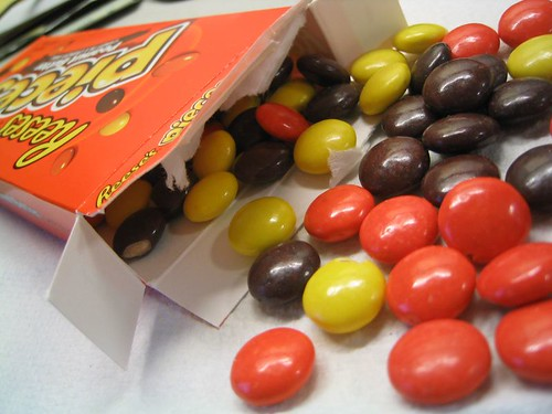 reeses pieces reeses pieces hells yeaa