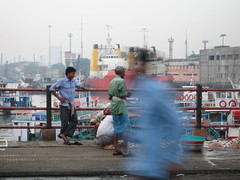 Ferry Wharf 008 (Sanjay Shetty) Tags: india ferry invisible wharf mumbai bhaucha dhakka