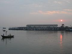 Ferry Wharf 003 (Sanjay Shetty) Tags: ferry wharf bhaucha dhakka