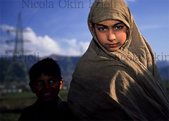 Kashmir-08 (Nicola Okin Frioli) Tags: blue pakistan news wow photography photo search earthquake san asia colours foto searchthebest nicola blu photojournalism colores best pakistani kashmir situation caritas colori bagh medici victims reportage msf terremoto senza frontiere temblor vittime fotogiornalismo muzaffarabad balakot mansehra okin frioli reportages okinreport wwwokinreportnet soccorsi 5monthsafter thedaysafter nicolaokinfrioli nicolafrioli