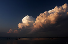 Lake Mendota Evening (Mingfong) Tags: light summer sky cloud lake storm beautiful wisconsin clouds evening us midwest cloudy lakes dramatic stormy story madison stunning albumcover summertime mendota storms stories dramaticsky cloudformation thunderstorms lakemendota  mingfong musicflyer mingfongjan artbrochure sketchoflight mingfongphotography
