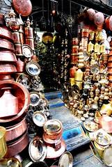 Bazar de cuivres (A VersAerien) Tags: nepal asia copper kathmandu asie d200 bazaar katmandu march bazar npal cuivre katmandou kathmandou ustensile