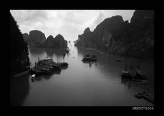 Junks on Halong Bay (HRKVC) Tags: travel sea sky bw mountains water clouds 510fav boats asia vietnam 110fav halong halongbay junks excellenceintravelphotography