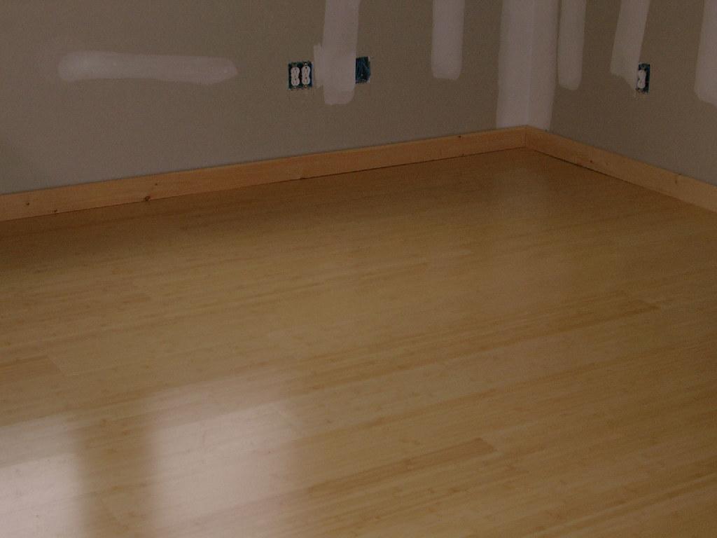 Http Laminateflooringtropar Blogspot Com 2014 12 Non Glue Laminate Flooring Html