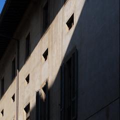 a little blue (Cosimo Matteini) Tags: cosimomatteini ep5 olympus pen m43 mft mzuiko45mmf18 firenze florence alittleblue architecture shadow