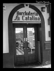 Santa Catalina (Patricia Minerva) Tags: door espaa building valencia spain puerta edificio entrada espanya horcaheteria