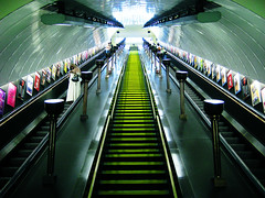 St John's Wood (Simon Crubellier) Tags: uk england london westminster canon underground europe escalator tube steps ixus londonunderground stjohnswood simoncrubellier interestingness78 i500 ixus70
