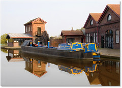 Hatton (Robert Silverwood) Tags: reflection water beautiful boats canal scorpio hatton grandunioncanal malus narrowboats warwickshire tdmtltut