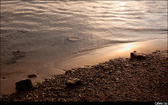 Rocky Beach #3 (Cameno) Tags: sunset color beach nature water d50 nikon santander sanvicentedelabarquera